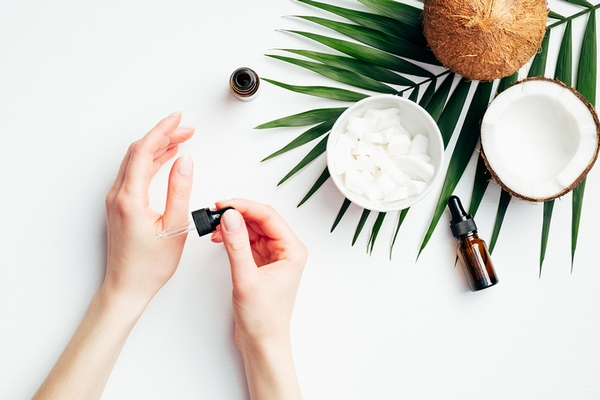 Coconut oil can be used to get soft hands naturally at home.