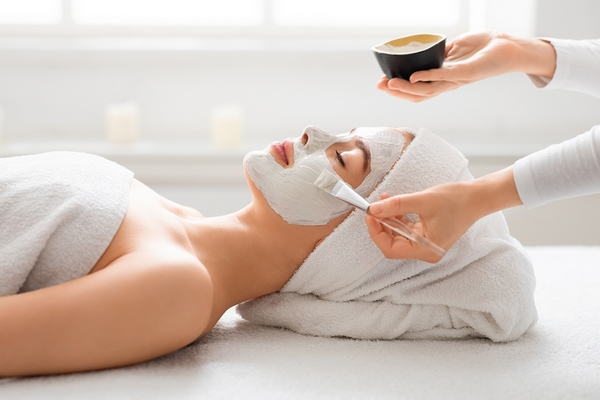 9 Benefits of Getting a Facial Once a Month