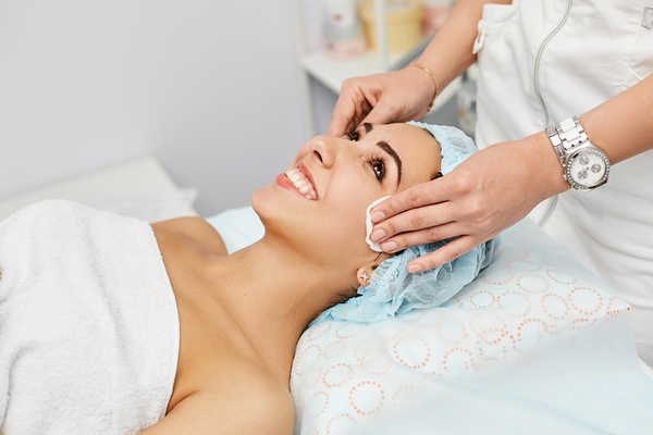 Acne treatment is a benefit of getting a facial.