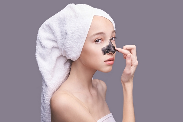 Blackheads or whiteheads removal is a benefit of getting a facial.