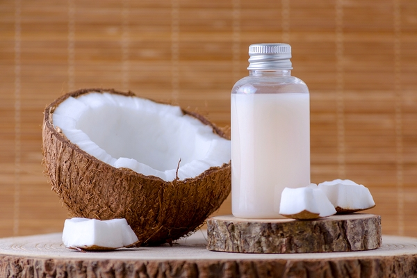 Coconut oil is a good home remedy for glowing skin.