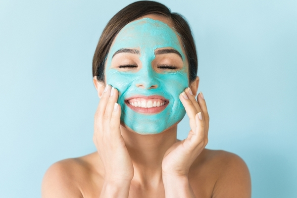 Skin exfoliation is the best treatment for extremely clogged pores.