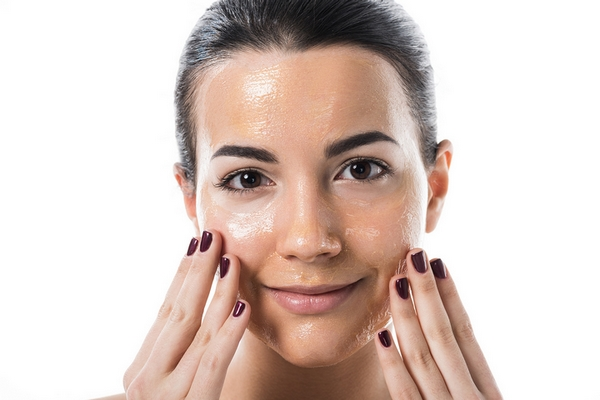 Use moisturizer after washing your face for glowing skin.