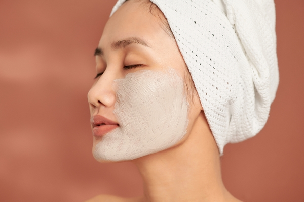 Benefit #5: Exfoliating prevents acne breakouts and blemishes.