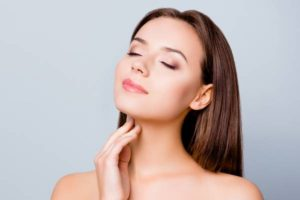 7 Treatments to Get Rid of Neck Lines and Wrinkles